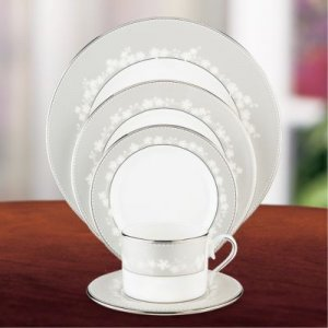"LENOX ""Bellina"" 5 pc. Place Setting, Style #6444053"